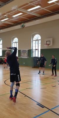 Bezirksliga Ost – Der Zeulenroda Krimi: Pöẞneck siegt im Spitzenspiel gegen Weimar II und baut Tabellenführung aus - 20191130_103946_bb9766d18619137cbb6b7c819247c48d