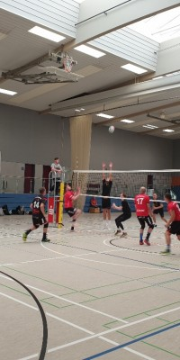 Erster Spieltag, nach dem Aufstieg in die Verbandsliga, ohne Punkteausbeute für Pöẞnecker Volleyballer - 20200919_164038_resized_fd40c47151cab38a4ae4d0861dd96eed