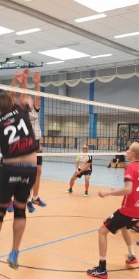 Da sind Parallelen: Pöẞnecker Volleyballer und die Bundestagswahl – oder: Erster Spieltag: Verbandsliga Nord startet für die Pöẞnecker Volleyballer mit einem Sieg - 20211002_152756_856cee437a25fc944a12fe9943277d23