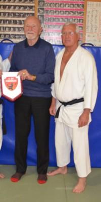 Pöẞnecker Judoka bekamen Besuch von einem Teilnehmer der ersten gesamtdeutschen Meisterschaften im Judo - DSC_5041_ac201645e46eefcdce4a1b46f2273768