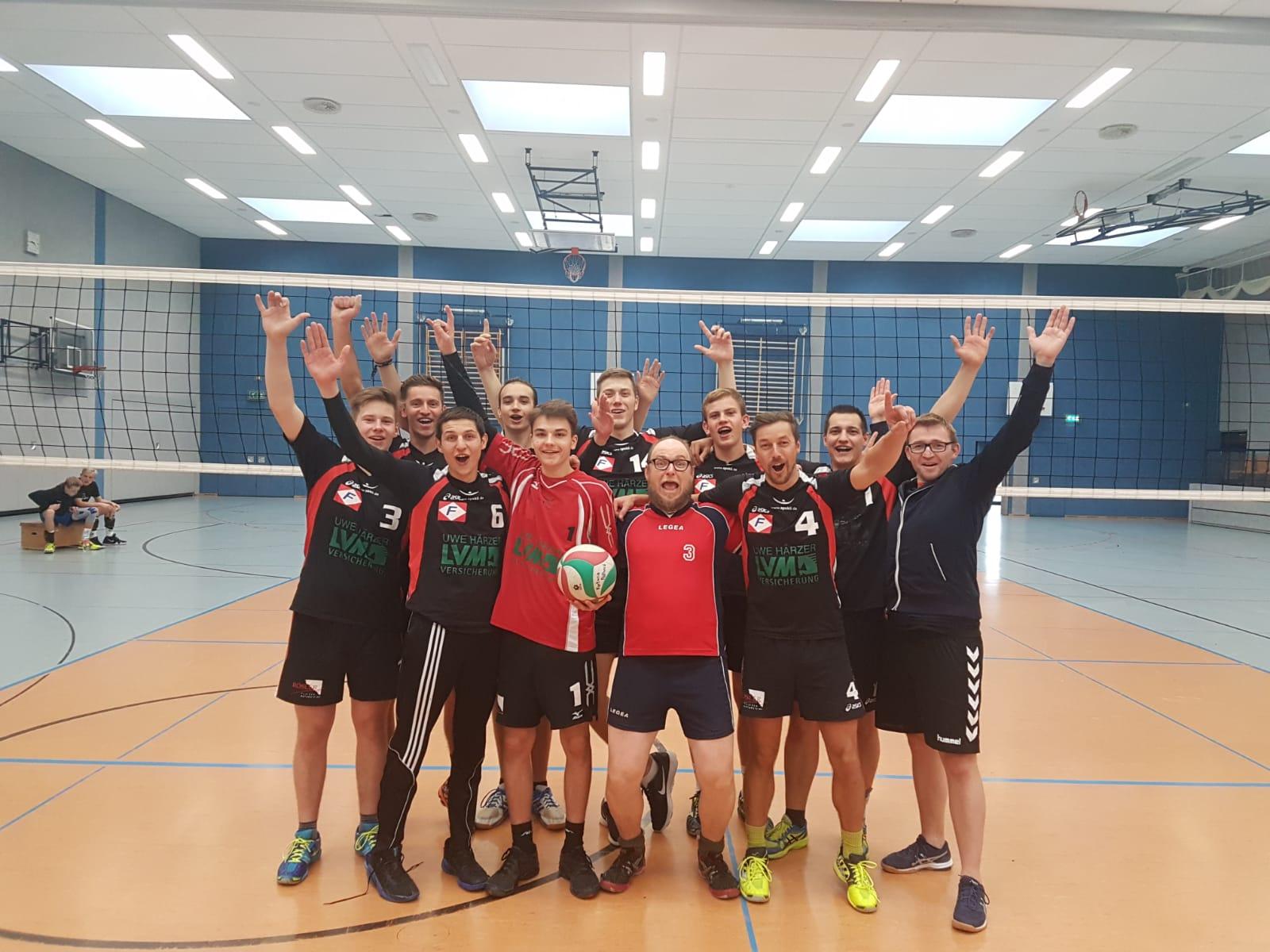 Bezirksliga Ost - Pöẞnecker Volleyballer weiterhin ungeschlagen