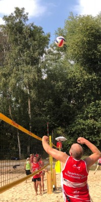 2x Bronze für die Pößnecker Gastgeber bei der stark besetzten Thüringer Seniorenmeisterschaft im Beachvolleyball in der Rosen-Arena - IMG-20190827-WA0034_08c0a5e5d06068f2c8128a5261f825e5