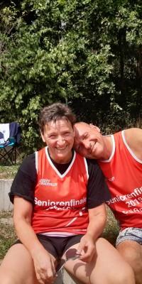 2x Bronze für die Pößnecker Gastgeber bei der stark besetzten Thüringer Seniorenmeisterschaft im Beachvolleyball in der Rosen-Arena - IMG-20190827-WA0103_b50f440e7d5d8554f911e10014e0febf
