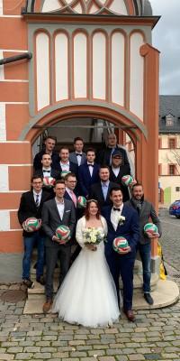 Pöẞnecker 1.Herrenvolleyballer belohnen sich in einer spielerisch konstant-starken Saison mit dem Meistertitel und dem Wiederaufstieg in die Verbandsliga - IMG-20200118-WA0006_773c83a093370666cff78f831bc95bd3