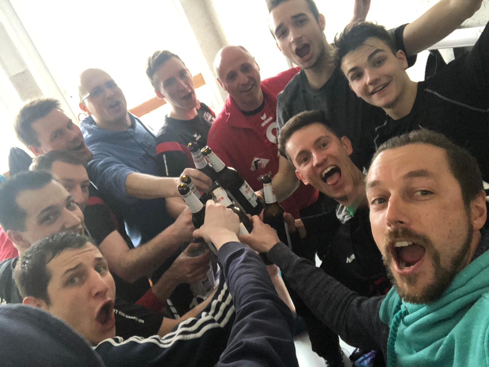 Bezirksliga Ost – Erneut deutlicher Derby-Sieg gegen Knau sowie gegen Blankenhain festigen die Pöẞnecker Tabellenführung