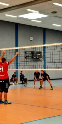 Da sind Parallelen: Pöẞnecker Volleyballer und die Bundestagswahl – oder: Erster Spieltag: Verbandsliga Nord startet für die Pöẞnecker Volleyballer mit einem Sieg - IMG-20211002-WA0013_433245a37d66cb1d38e061a327bad69a
