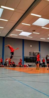 Da sind Parallelen: Pöẞnecker Volleyballer und die Bundestagswahl – oder: Erster Spieltag: Verbandsliga Nord startet für die Pöẞnecker Volleyballer mit einem Sieg - IMG-20211002-WA0014_e8134583ca6474d7f668912d57a21261
