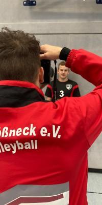 Da sind Parallelen: Pöẞnecker Volleyballer und die Bundestagswahl – oder: Erster Spieltag: Verbandsliga Nord startet für die Pöẞnecker Volleyballer mit einem Sieg - IMG-20211002-WA0025_b425e6ee59b8c90cea84dd41f0cceb9e