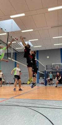 Da sind Parallelen: Pöẞnecker Volleyballer und die Bundestagswahl – oder: Erster Spieltag: Verbandsliga Nord startet für die Pöẞnecker Volleyballer mit einem Sieg - IMG-20211002-WA0026_67c4c30eff1d993f83fa33048237ba39