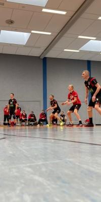 Da sind Parallelen: Pöẞnecker Volleyballer und die Bundestagswahl – oder: Erster Spieltag: Verbandsliga Nord startet für die Pöẞnecker Volleyballer mit einem Sieg - IMG-20211002-WA0031_21dfb38453a2f3a1cd82dd185f3f34ea