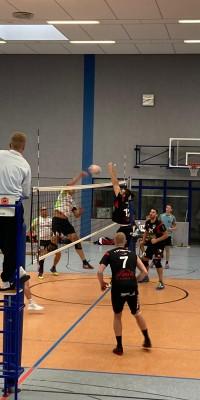 Da sind Parallelen: Pöẞnecker Volleyballer und die Bundestagswahl – oder: Erster Spieltag: Verbandsliga Nord startet für die Pöẞnecker Volleyballer mit einem Sieg - IMG-20211002-WA0035_6aa509a1b835f7d75870f98eed01b827
