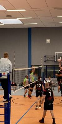 Da sind Parallelen: Pöẞnecker Volleyballer und die Bundestagswahl – oder: Erster Spieltag: Verbandsliga Nord startet für die Pöẞnecker Volleyballer mit einem Sieg - IMG-20211002-WA0037_11709080a75c17427adb8e3946d528c8